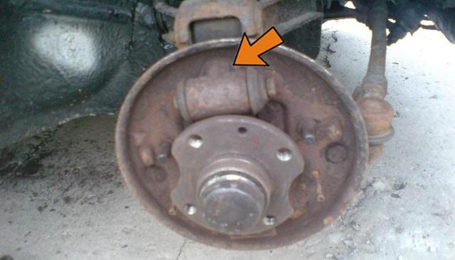 wymiana cylinderka hamulcowego